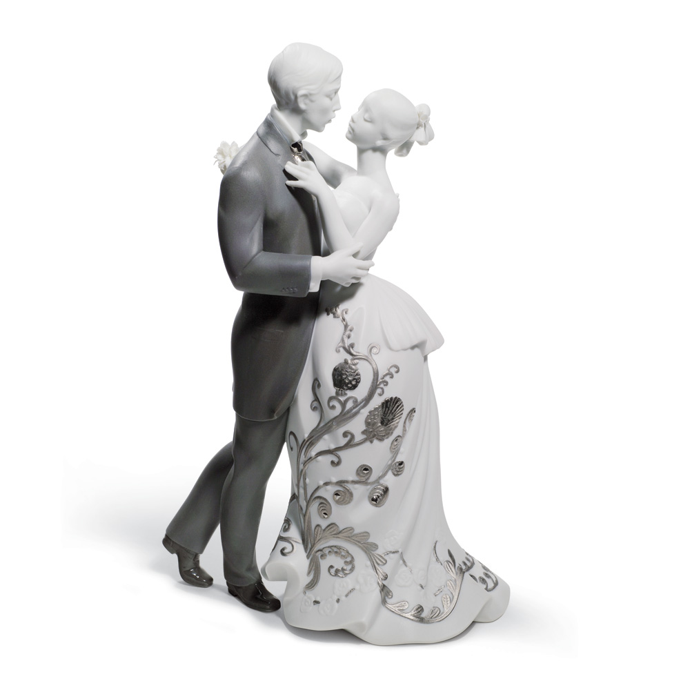 Lover's Waltz (Re-Deco) 01007193 - Lladro Figurine