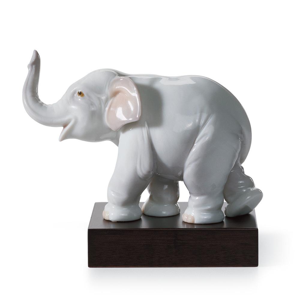 Lucky Elephant 01008036 - Lladro Figurine