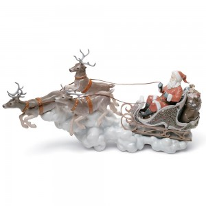Santas Midnight Ride 01001938 - Lladro Figurine