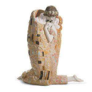 The Kiss 01018204 - Lladro Figurine