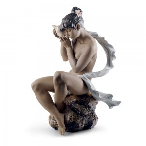 Whispers from the Sea 01012549 - Lladro Figurine