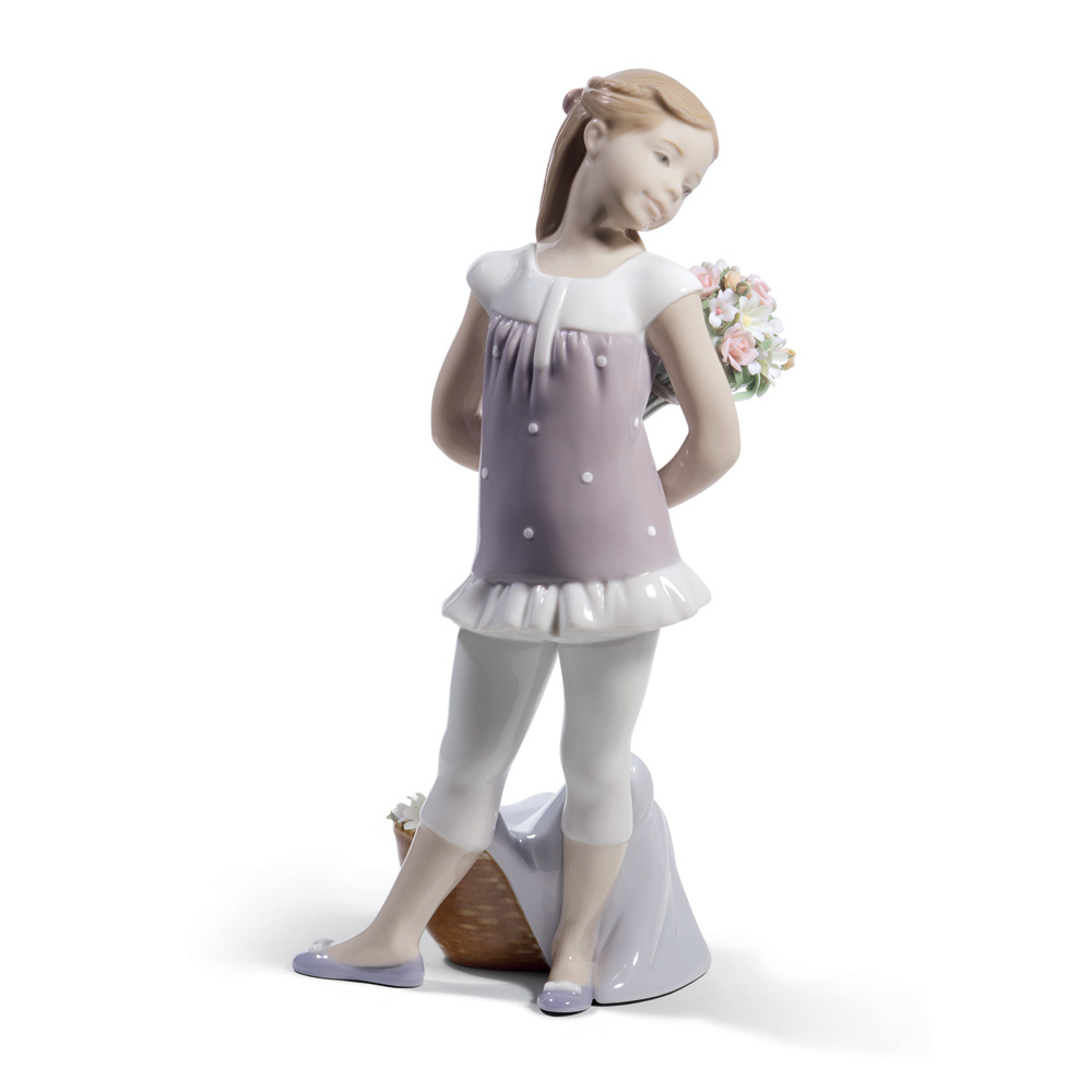 Your Favorite Flowers 01008632 - Lladro Figurine