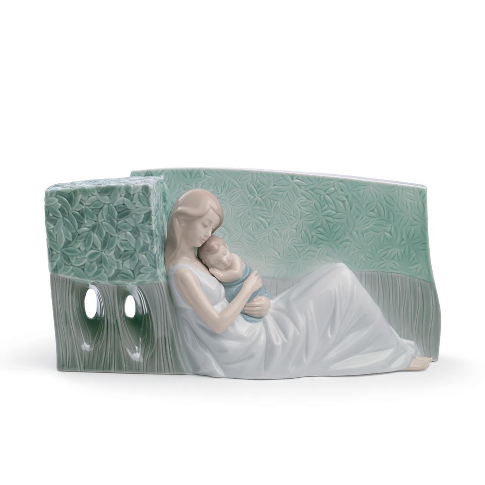 A Tender Caress 01008436 - Lladro Figurine