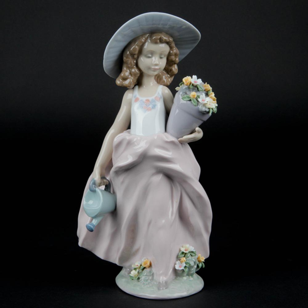 A Wish Come True 7676 - Lladro Figurine