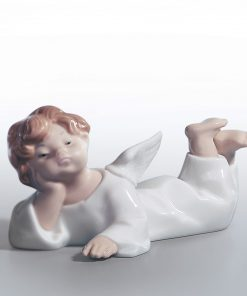 Angel Lying Down 01004541 - Lladro Figurine