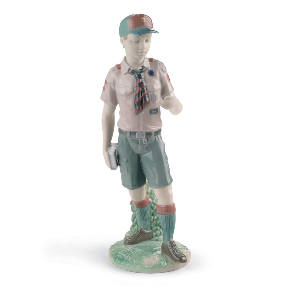 Classic Scout 01008459 - Lladro Figurine