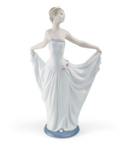 Dancer - 01007189 - Lladro Figurine