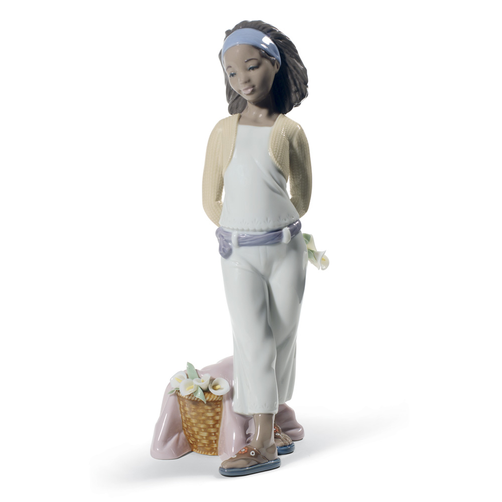 A Gift of Lillies 01008584 - Lladro Figurine