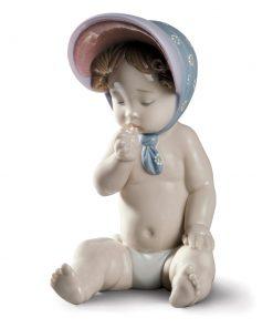 Girl with Bonnet - Lladro Figurine