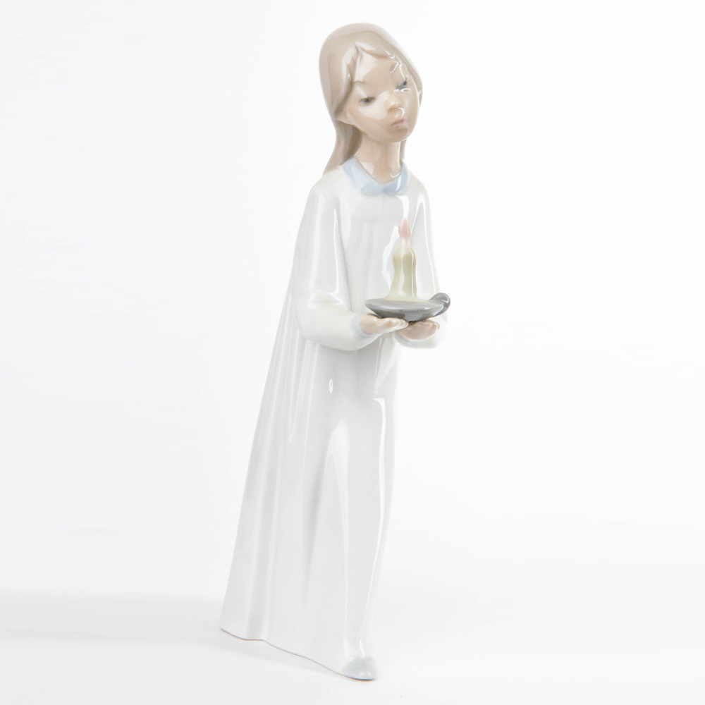 Girl with Candle 4868 - Lladro Figurine