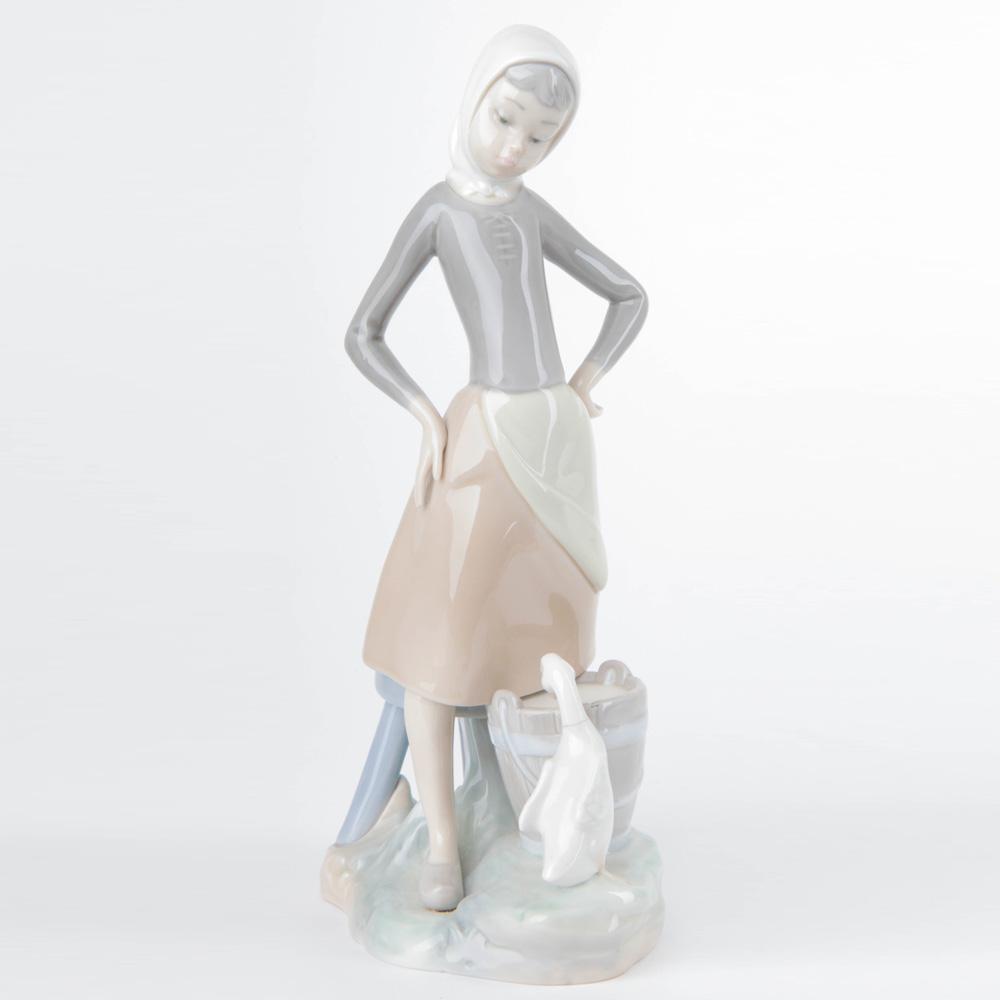 Girl with Milk Pail 1014682 - Lladro Figurine