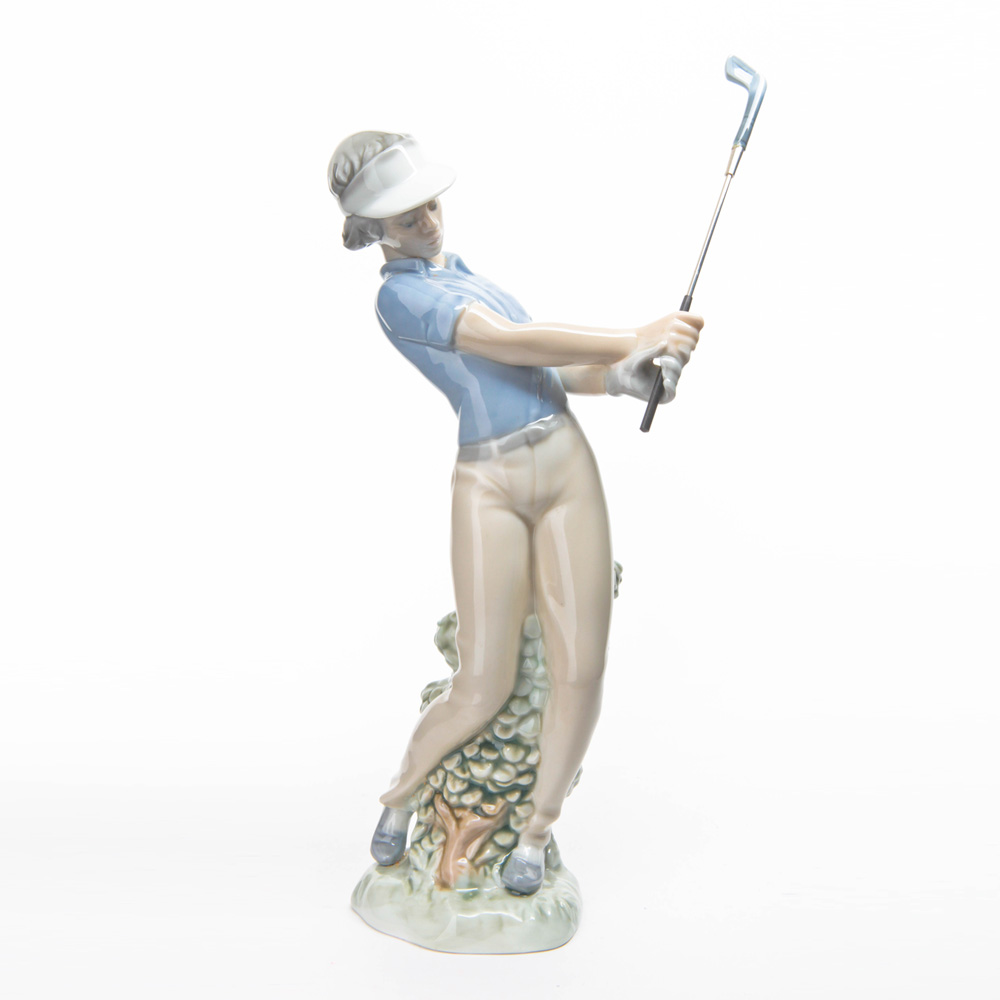 Golfer Male Fore Golfer - Nao by Lladro