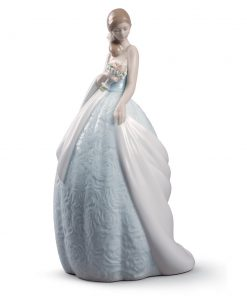 Her Special Day 01008784 - Lladro Figurine