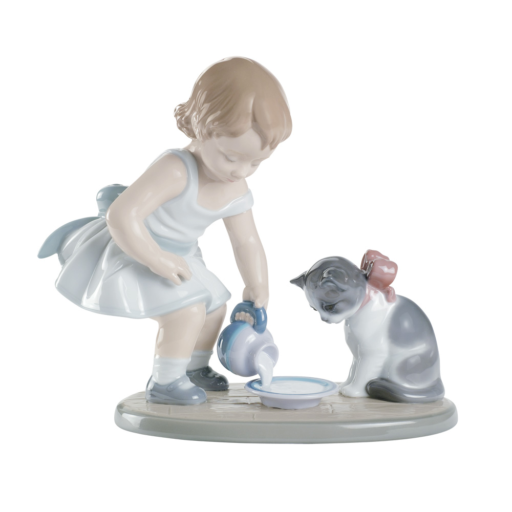 Kittys Breakfast Time 01008498 - Lladro Figurine