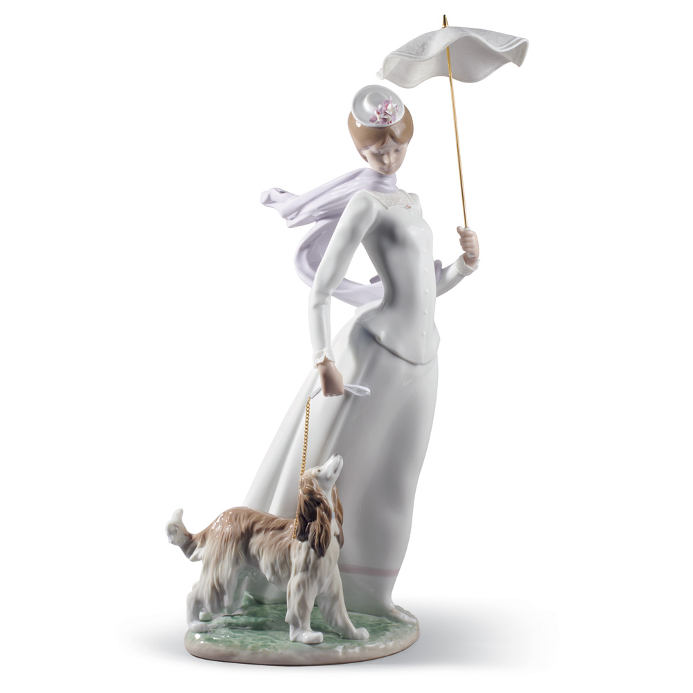 Lady with Shawl - Lladro Figurine