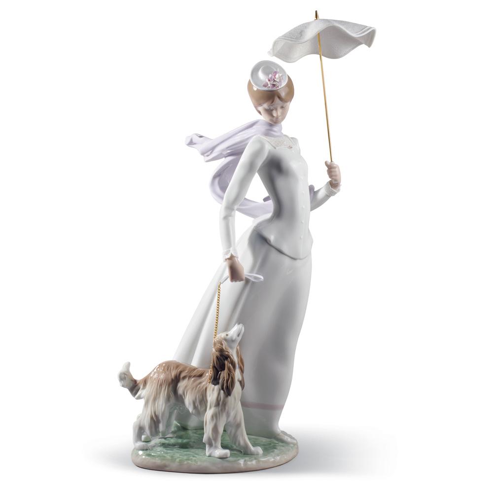 Lady with Shawl - Lladro Figurine