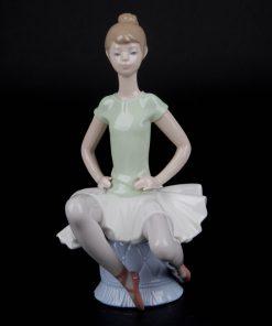 Laura Ballerina 1011360 - Lladro Figurine