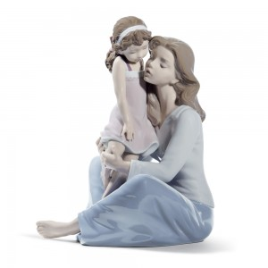 Mommy's Little Girl 01008623 - Lladro Figurine
