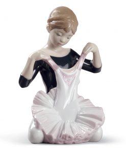 My Debut Dress 01008771 - Lladro Figurine
