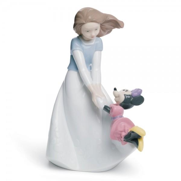 Friends with Minnie - Nao Figurine