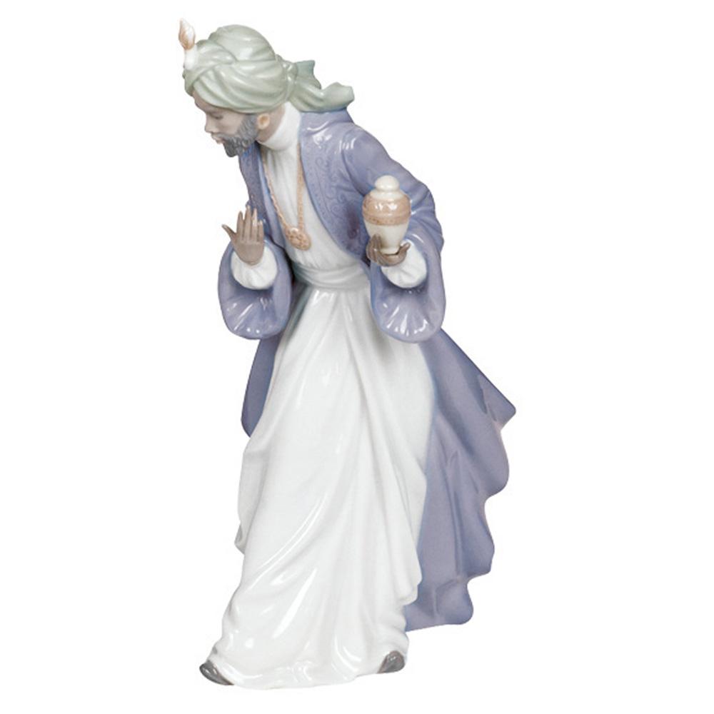 King Balthazar with Jug 2000414 - Nao Figurine