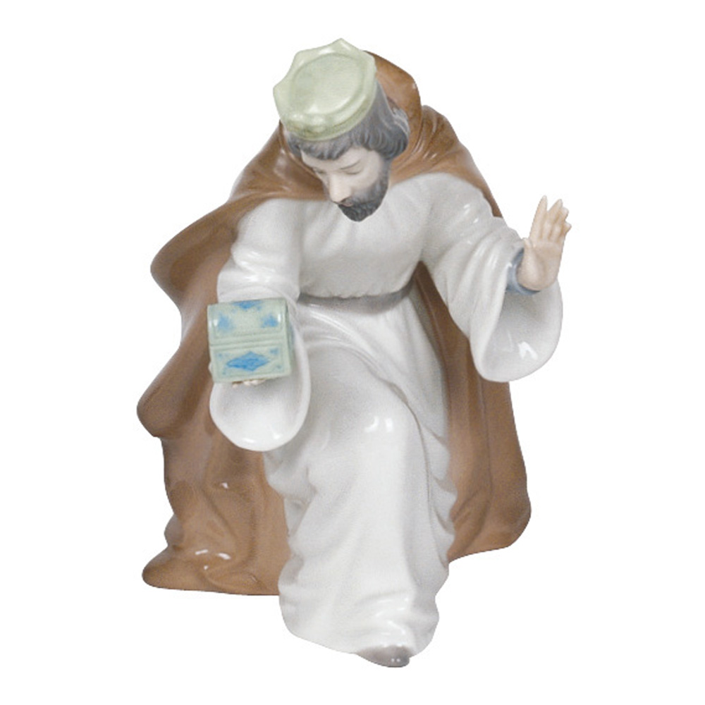 King Melchior with Chest 2000413 - Nao Figurine