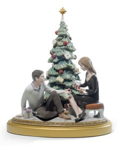 A Romantic Christmas - 01008665 - Lladro Figurine