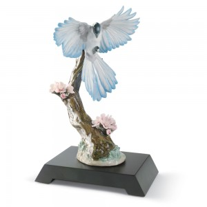 Season In Bloom - Bird 01008461 - Lladro Figurine