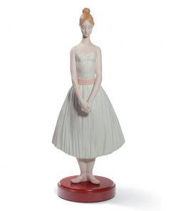 Shy Ballerina 01008594 - Lladro Figurine