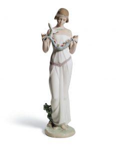 Sweet Victoria - 01008510 - Lladro Figurine