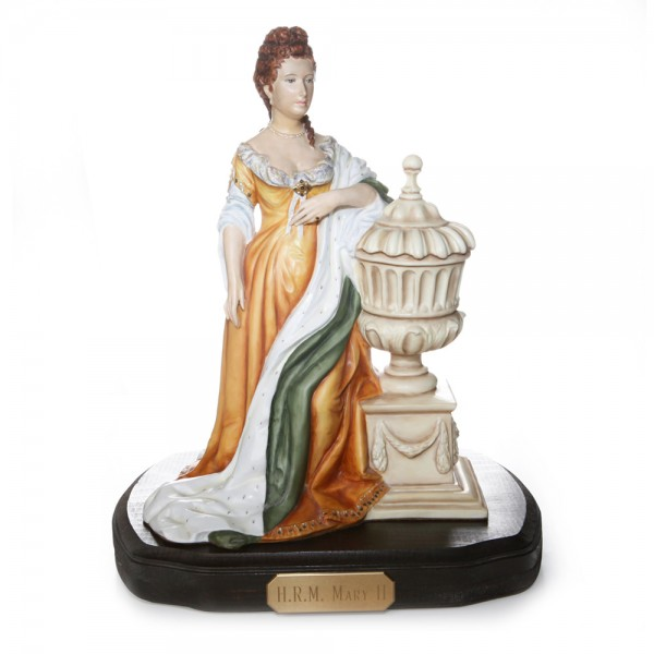 Queen Mary II RW3939 - Royal Worcester Figure