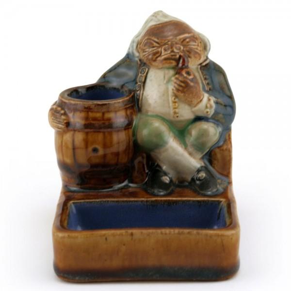 Gnome Smoking Matchstriker - Simeon Toby