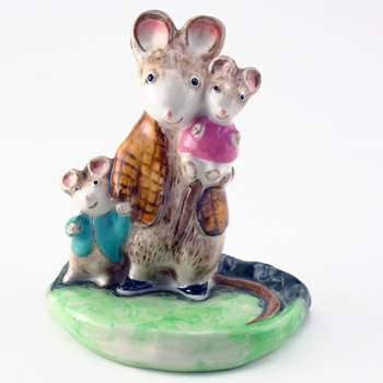 A Family Mouse KM2526 - Royal Doultoun Storybook Figurine