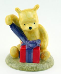 A Present For Me? How Grand! Wp40 - Royal Doultoun Storybook Figurine