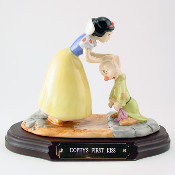 Dopey's First Kiss SW21 - Royal Doultoun Storybook Figurine