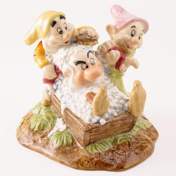 Grumpy's Bathtime SW20 - Royal Doultoun Storybook Figurine