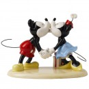 Hugs and Kisses MM36 - Walt Disney Showcase - Royal Doultoun Storybook Figurine