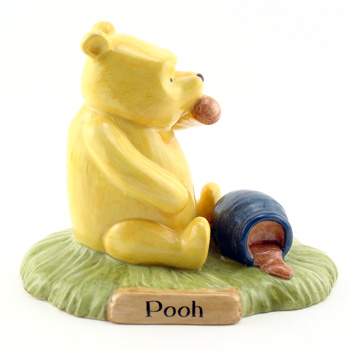 Pooh Began To Eat WP28 - Royal Doultoun Storybook Figurine