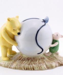 Pooh's Blue Balloon Money Box WP16 - Royal Doultoun Storybook Figurine