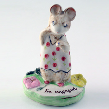 The Ring KM2565 - Royal Doultoun Storybook Figurine