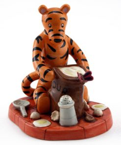 Things Could Get Messy WP97 - Royal Doultoun Storybook Figurine