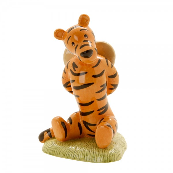 Tigger Love Heart WP82 - Royal Doultoun Storybook Figurine