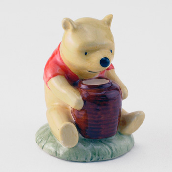 Winnie the Pooh and The Honey Pot WP1 - Royal Doultoun Storybook Figurine
