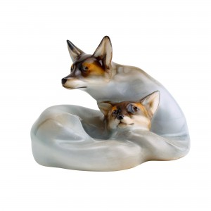 Foxes Curled HN117 - Royal Doulton Animals