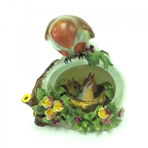 Red Breasted Robin Feeding Chicks - Royal Doulton Animals