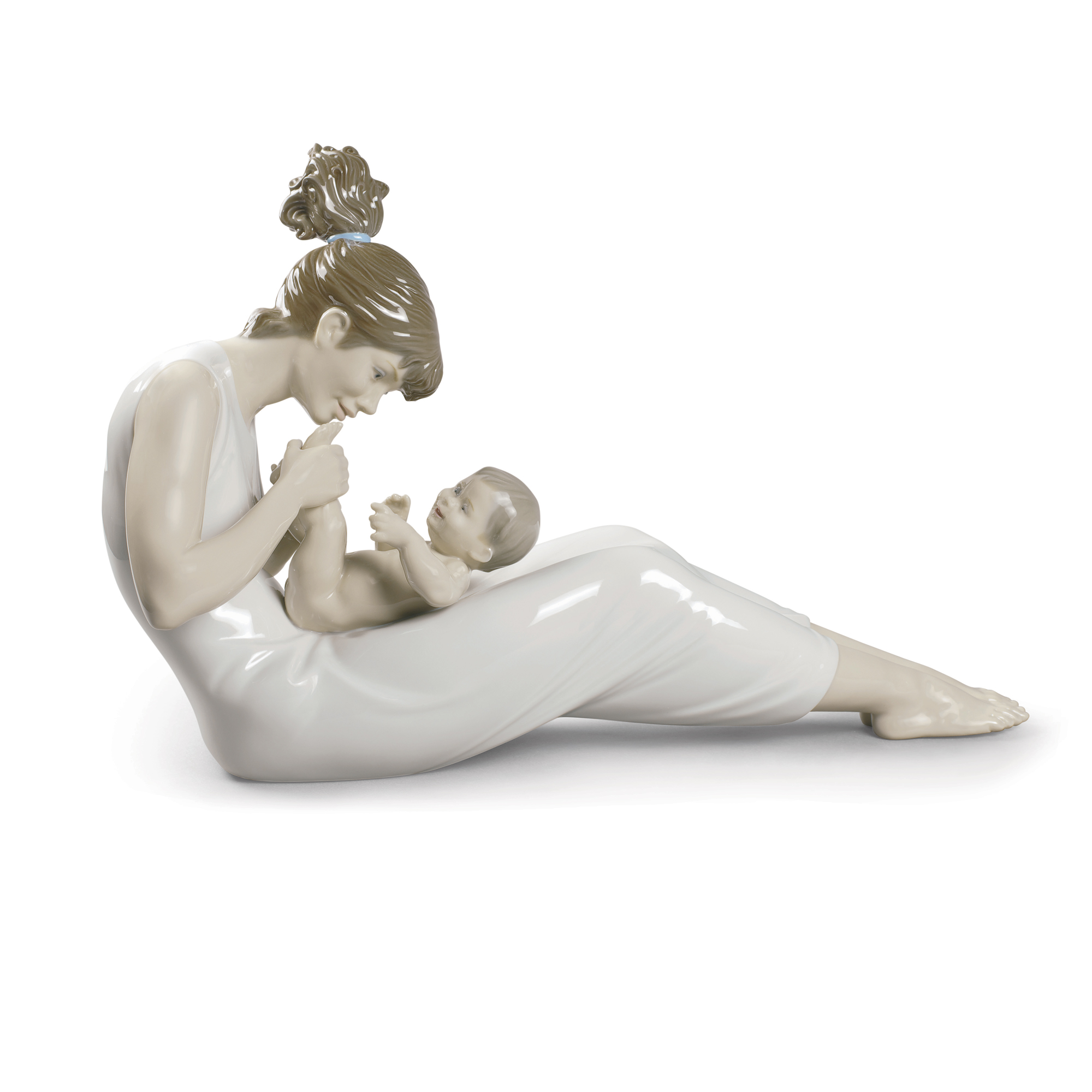 Giggles With Mom 1009152 - Lladro Figure