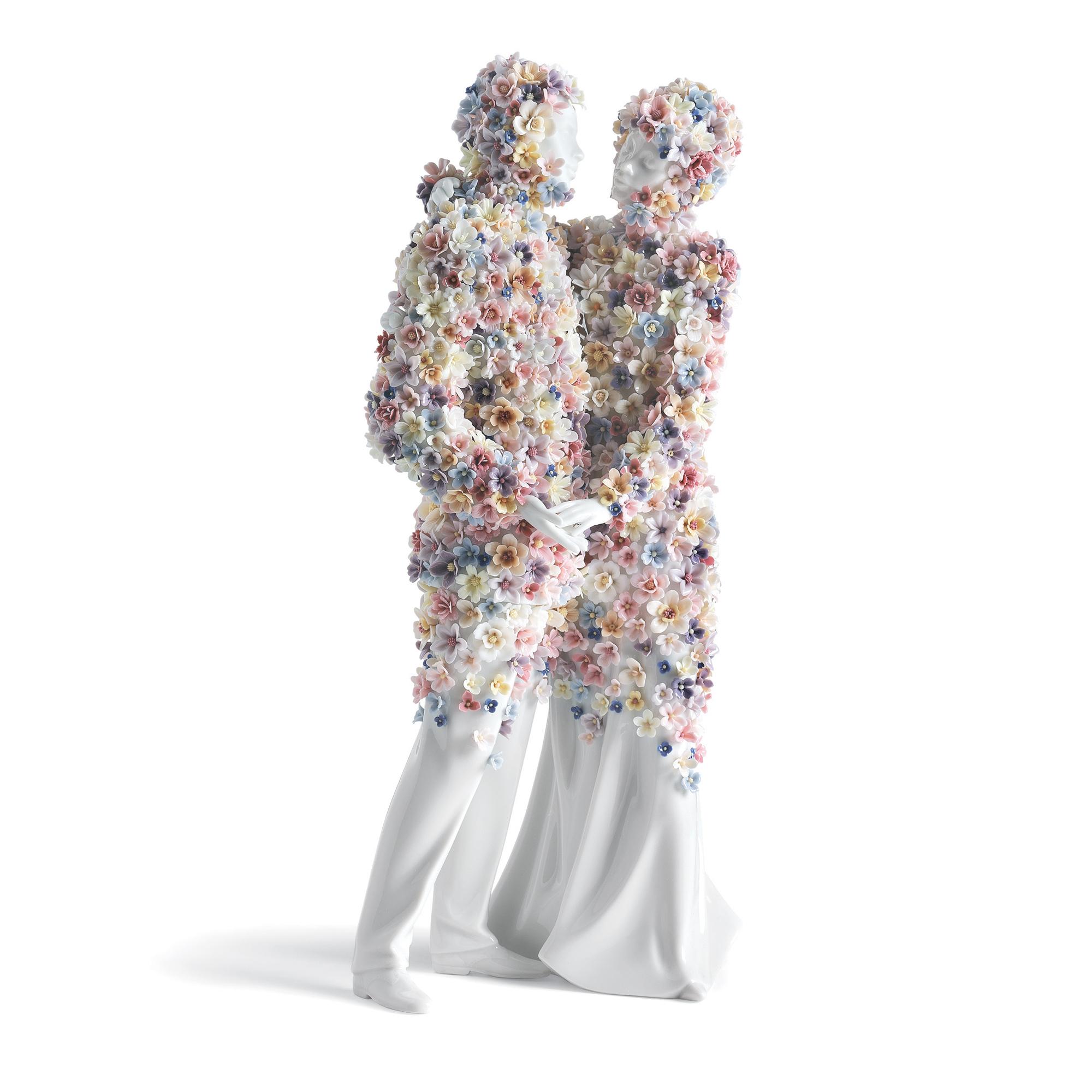 Love III (Blossoms) 1007233 - Lladro Romanticism