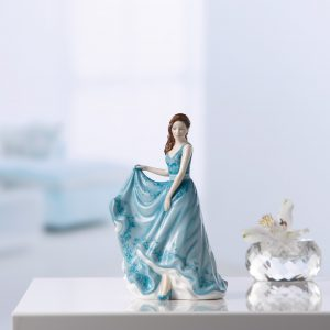Lasting Friendship (Petite) HN5849 - Royal Doulton Figurine