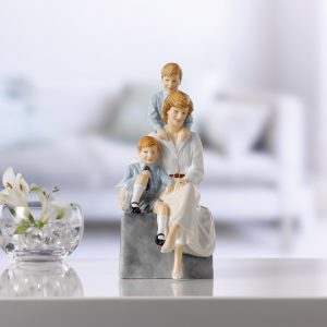 A Loving Mother HN5857 - Royal Doulton Figurine