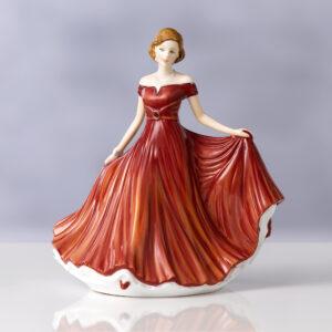 Sweet Memories (Petite) HN5850 - Royal Doulton Figurine